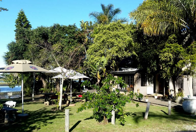 Plett River Lodge restaurant - Down to Earth